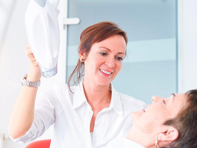 Bleaching in Bad Honnef: Wir von Chic Dentique sorgen für ein strahlend weißes und gesundes Lächeln.